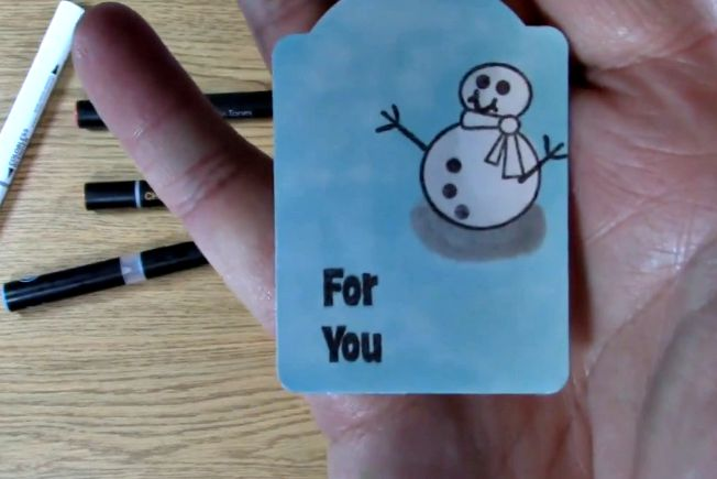 CLose up snowman tag