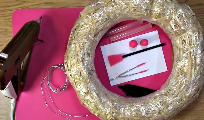 Create your own Cork Wreath - What you Need a