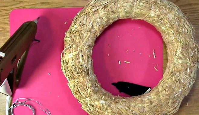 Create your own Cork Wreath - What you Need e