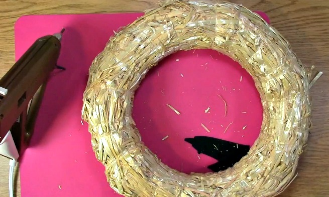 Create your own Cork Wreath - What you Need f
