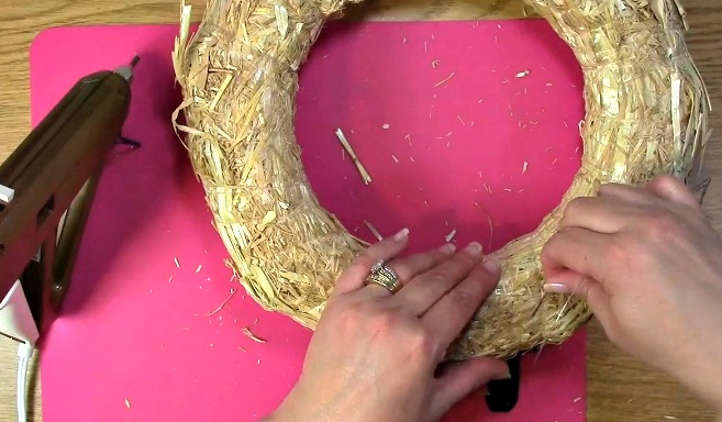 Create your own Cork Wreath - What you Need i
