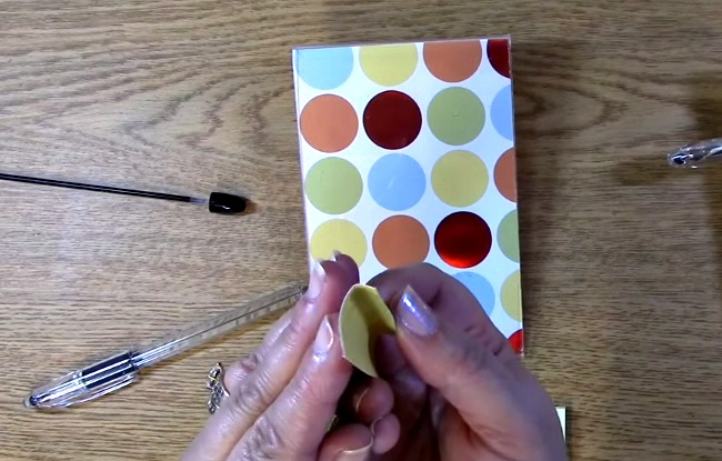 roll paper to fit into the pen