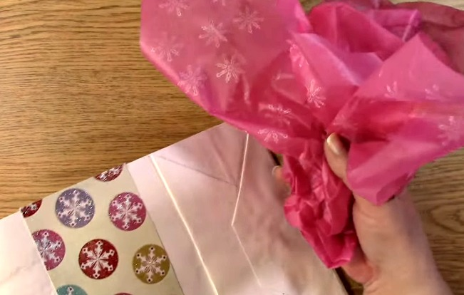 take the stamped tissue paper in a bouquet